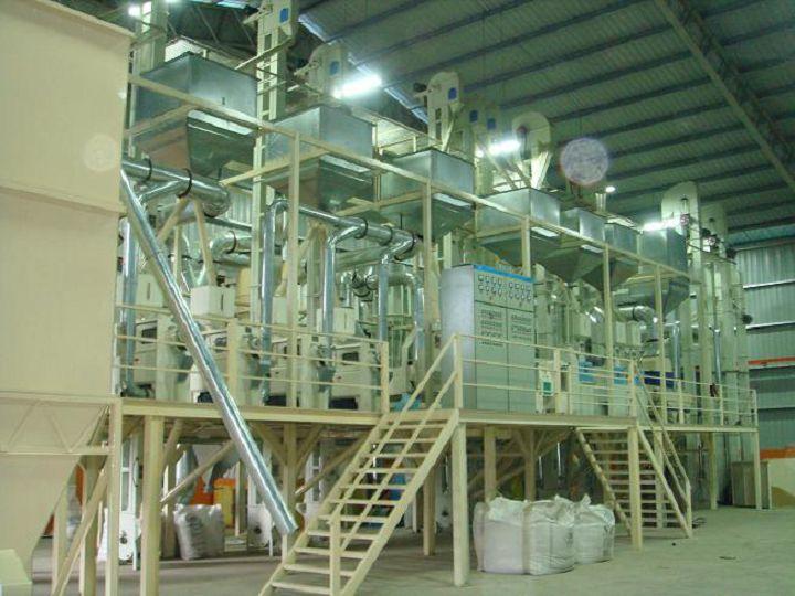 马来西亚日产120吨大米成套设备.jpg